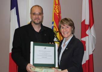 Un certificat special de reconnaissance a également été remis par la direction généraleà Mme Claire Mainguy, présidente sortante du REFAD, pour son implication auprès du réseau au cours des dix dernières années